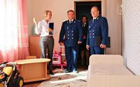 Прокурор НАО поздравил воспитанников детского дома с Днём флага