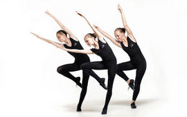 Первые занятия танцами